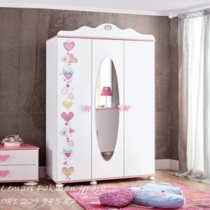 Harga lemari pakaian anak perempuan murah model desain almari baju 3 pintu cewek karakter lucu warna pink dan putih minimalis modern dan unik